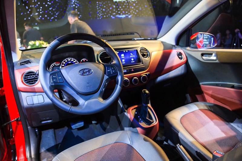 gia-xe-hyundai-grand-i10-hatchback-khuyen-mai-hyundai-tphcm-noi-that